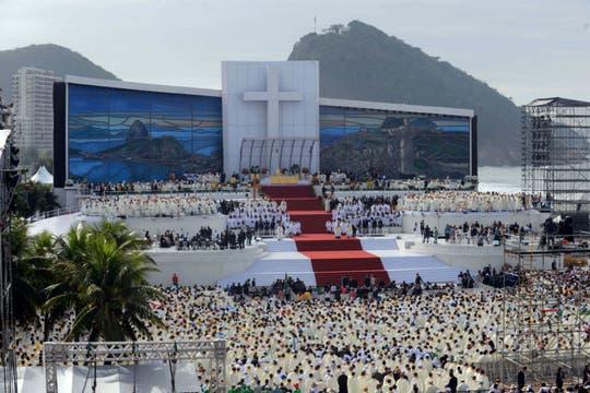 Postal del escenario en Copacabana, donde se realizó la misa de clausura de la Jornada Mundial de la Juventud. Foto: AFP