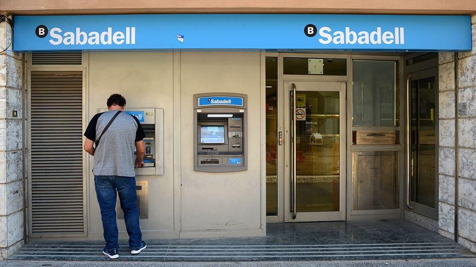 El banco Sabadell se va de Cataluña y lleva su sede central a Alicante