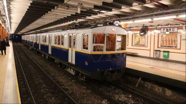 Uno de los viejos vagones de la línea A