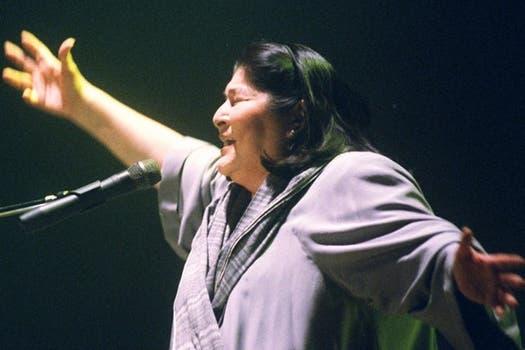 La cantante de una larga trayectoria, junto a amigos, políticos y donde más brilló: en los escenarios. ¡Mirá la galería!. Foto: Archivo