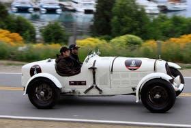Uno de los modelos anteriores a 1930, junto al Nahuel Huapi