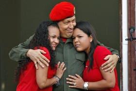 María Gabriela y Rosa Virginia, las dos hijas de Chávez
