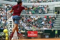 La magia de Roger Federer ante Alexander Zverev, el rival al que venció en su debut en el Masters 1000 de Roma y al que le lleva 15 años