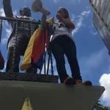 Una de las manifestantes contra Maduro