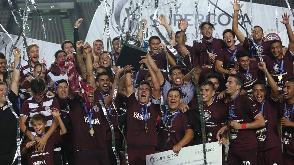 Lanús, campeón de la Supercopa Argentina foto: LA NACION Daniel Jayo