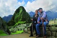 Isabel Preysler y Mario Vargas Llosa pasean su amor por Machu Picchu, una de las siete nuevas maravillas del mundo