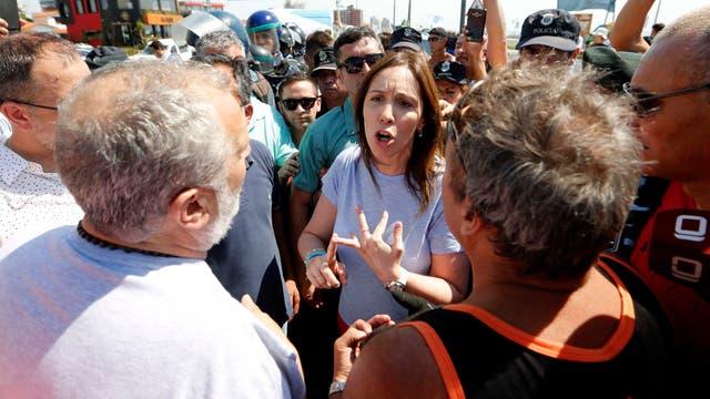 Secuencia de como María Eugenia Vidal enfrentó a guardavidas que reclamaban por puestos de trabajo en Mar del Plata