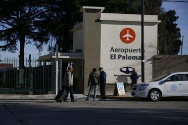 La entrada del aeropuerto de El Palomar