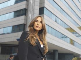 Natalia Streignard en el vestido de la soberbia María Teresa Montilla