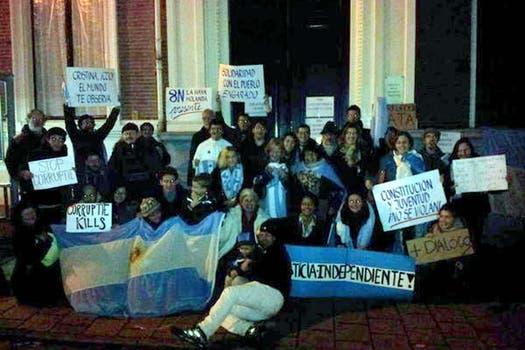 Embajada Argentina en La Haya. Foto: @valeriaprosseda