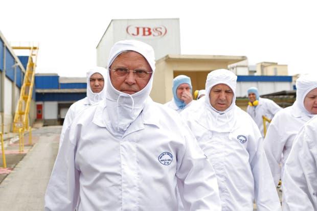 Rusia aplica cierre temporal a carnes de Brasil