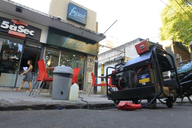 Comerciantes de Belgrano instalan generadores ante los cortes de luz