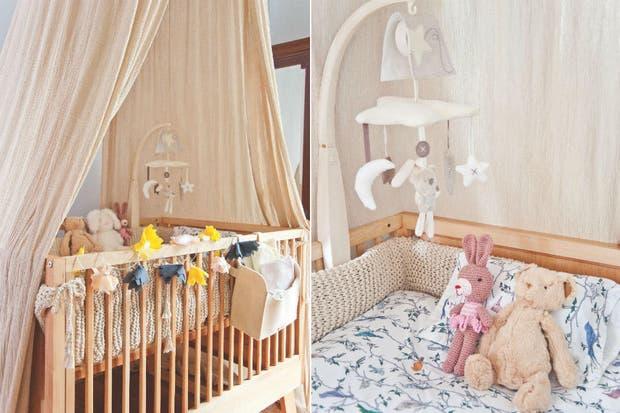 Además de ser un femenino remate para la cuna, el baldaquino crea un entorno calmo y protegido para la beba. Guirnaldas de luces decoradas con flores de tela rosada y en combinación de rosa viejo, gris y amarillo suman color y crean un cálido efecto para la hora de dormir.  /Pompi Gutnisky