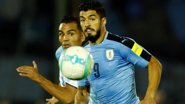 Luis Suárez, seguido por Gabriel Mercado
