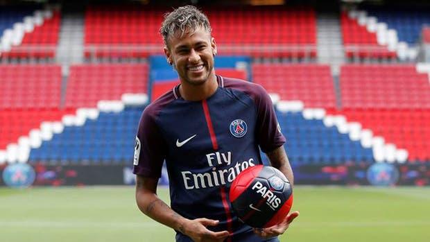 Neymar fue la transferencia más cara de la historia