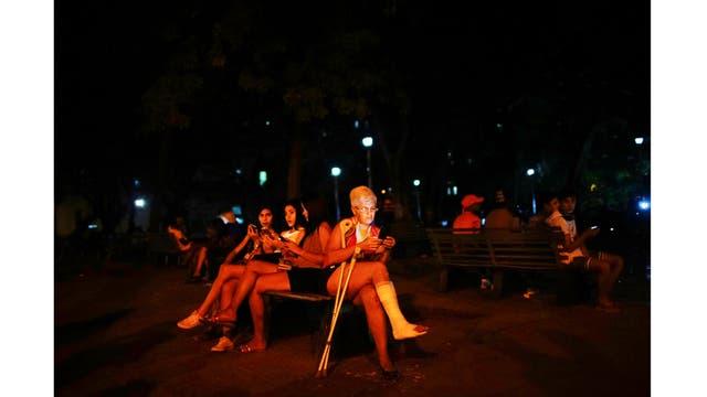 En un parque de La Habana