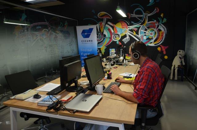 Una postal habitual de las decenas de aceleradoras que abren la puerta a nuevos proyectos en Tel Aviv