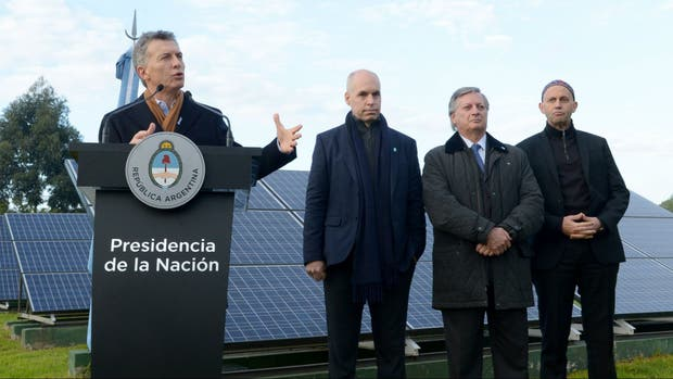 Macri presentó en mayo pasada un plan nacional de energías renovables junto a Larreta y los ministros Aranguren (Energía) y Bergman (Ambiente)