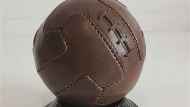 1930, Uruguay: en el primer mundial se utilizó la pelota argentina de 12 paneles, balones de tiento con gajos rectangulares. Foto: Archivo