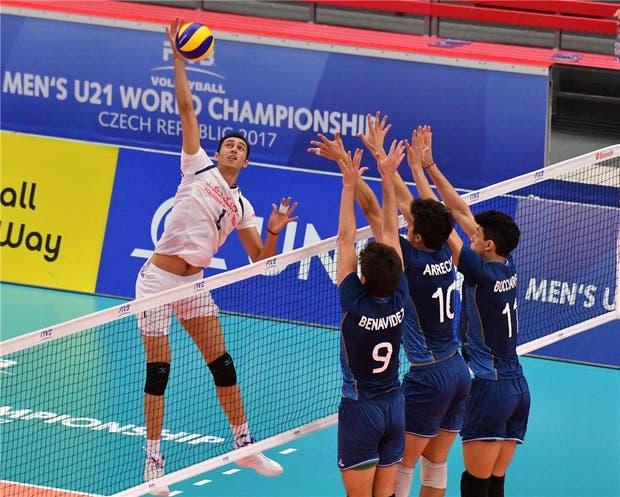 Argentina no pudo con Irán y cayó en tie-break