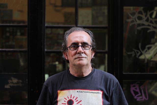 Iñaki García, de la librería y disquería El Lokal, que fue fundada en el Raval en 1987.
