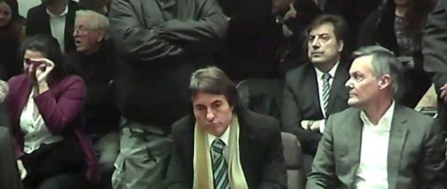 """Al escuchar la palabra """"culpable"""", Fernando Farré dirigió su mirada hacia el sector donde estaba la familia de la víctima"""