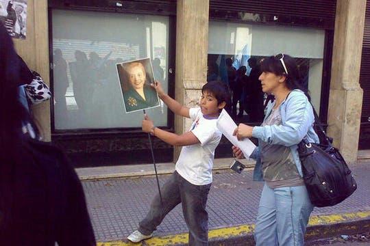 Hasta los más chicos se sumaron al homenaje. Foto: lanacion.com / @msolamaya