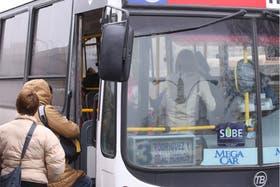 La provincia de Buenos Aires también incrementó el precio del transporte público