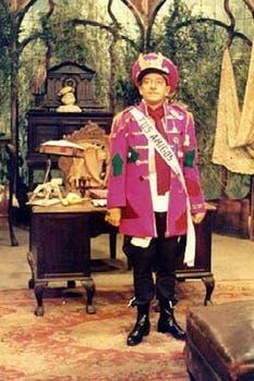 Olmedo interpreta al dictador de costa pobre, uno de sus clásicos personajes. Foto: Archivo La Nación