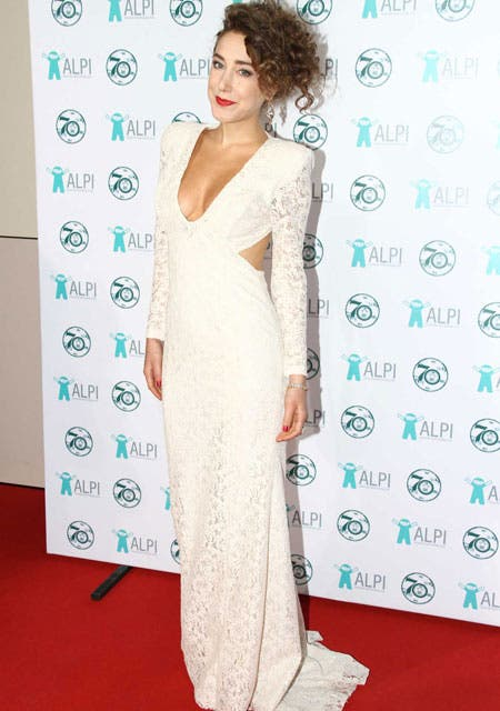 Anita Pauls, una de las más lindas de la noche con un vestido off white escotadísimo.. Foto: /Gerardo Viercovich
