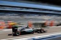Lewis Hamilton fue el más rápido en los ensayos de Sochi y le dejó un mensaje a Nico Rosberg