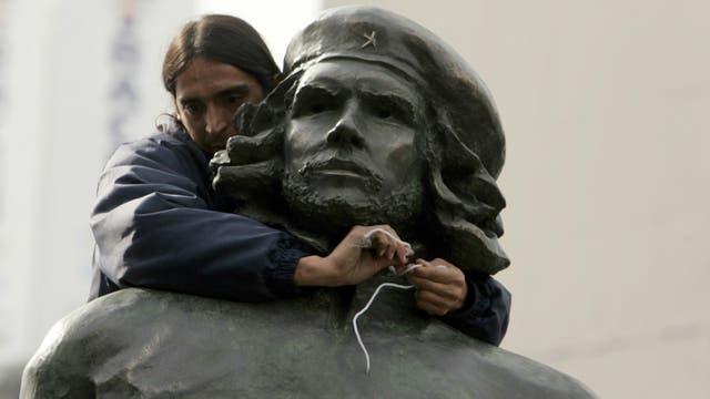 La estatua del Che en Rosario