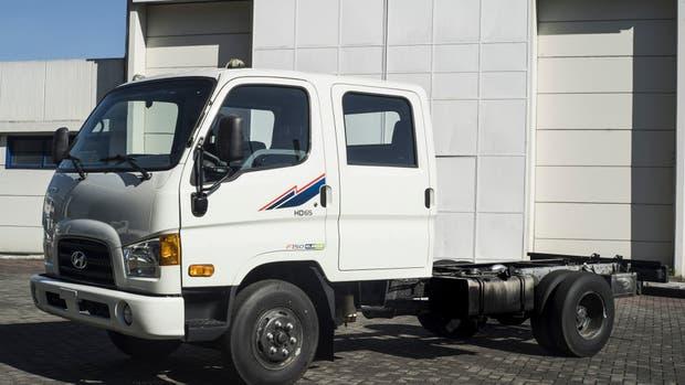 Hyundai HD65 para carga y 7 pasajeros