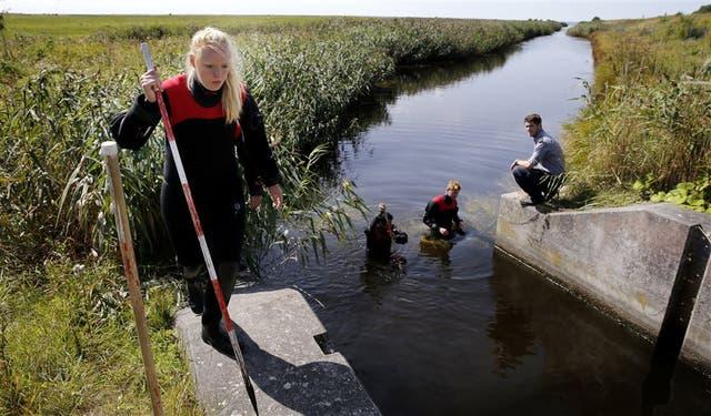 La policía danesa continuaba ayer la búsqueda de los restos de Wall