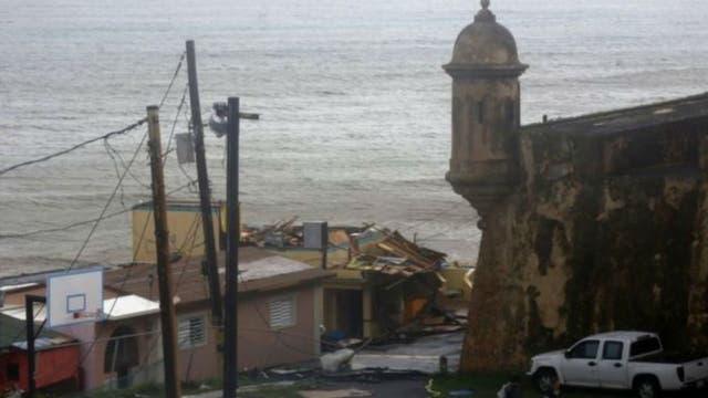 Las casas de la costa de San Juan de Puerto Rico fueron víctimas de María