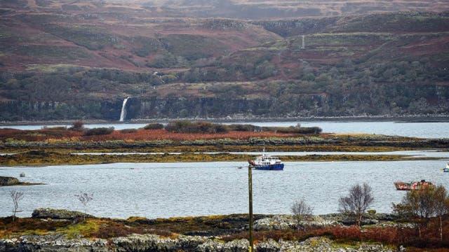Cinco de los seis habitantes de Ulva intentarán comprar la isla