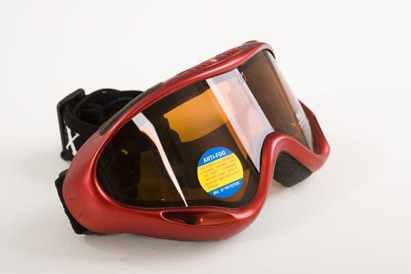Si es fanático de los deportes extremos, esta antiparra es el regalo perfecto (Vision Optic del Galpón del Ski, $485).