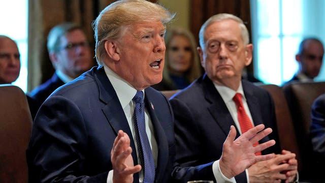 Donald Trump durante la reunión de gabinete