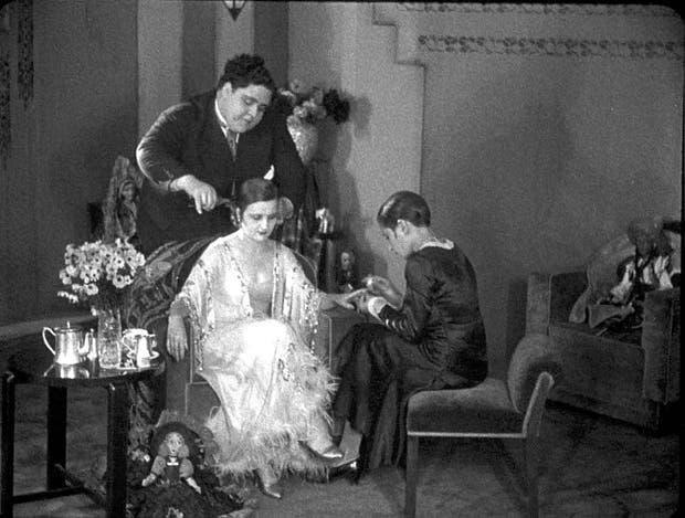 Una escena del film de José Agustín Ferreyra, con Floren Delbene y María Turgenova