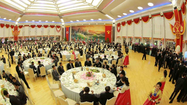 """Kim Jong-un organizó un banquete para festejar el """"éxito perfecto"""" de la bomba H"""
