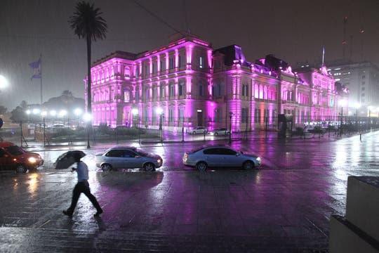 EL diluvio que cayó sobre Buenos Aires , provocó grandes trastornos en la ciudad. Foto: LA NACION