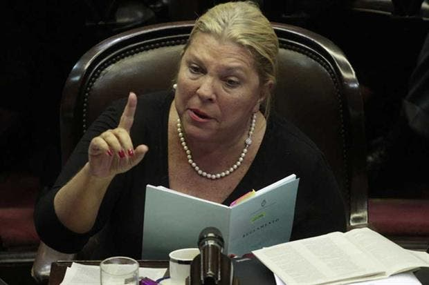 CFK iría con frente propio para evitar las PASO