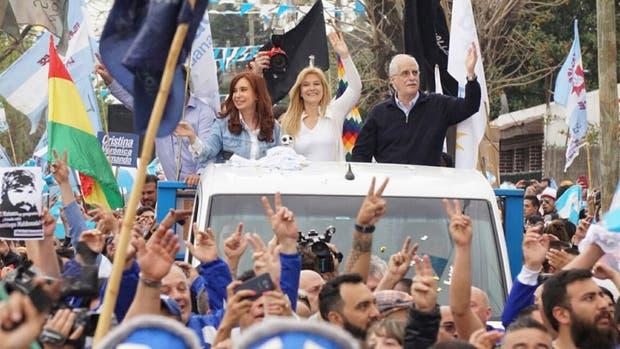 Cristina Kirchner, durante la caravana por La Matanza