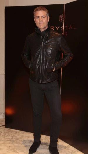Mike Amigorena y un look total black. Foto: Archivo / Gentileza HSBC