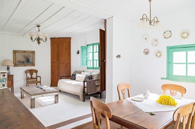 Estilo campo: 2 casas con decoración artesanal - Living - ESPACIO ...