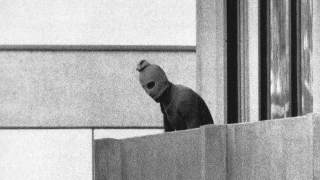 EL GRUPO SEPTIEMBRE NEGRO ingresó a la villa olímpica en la madrugada del 5 de septiembre. Eran ocho terroristas vestidos como deportistas. En los bolsos guardaban pistolas, ametralladoras y granadas.