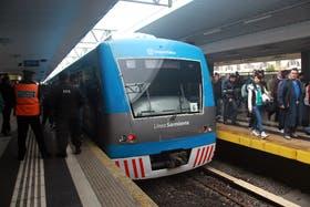 Tercer día de protesta gremial en el tren Sarmiento: siguen las demoras y las quejas
