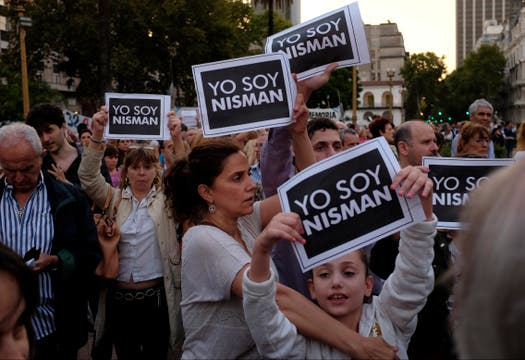 Marcha en Plaza de Mayo, con la consigna Yo soy Nisman. Foto: LA NACION / Rodrigo Néspolo