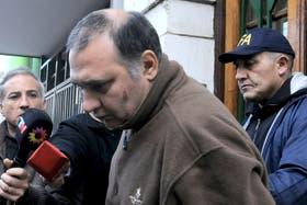 El portero Jorge Mangieri, que se autoincriminó por la muerte de Ángeles Rawson, recibió a sus abogados en Ezeiza