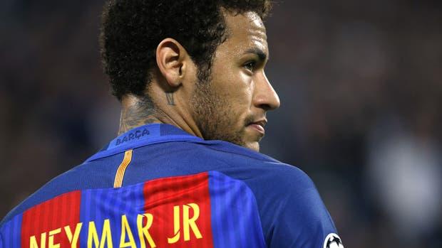 Neymar lleva cuatro años en Barcelona; se plantea un cambio de equipo